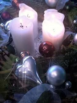 Kerzen und Schmuck