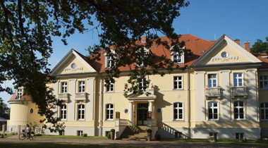 Gut-Saunstorf-Vorderansicht-Ausschnitt