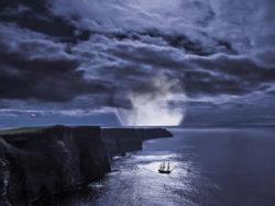 irland-schiff-mond-cliffs