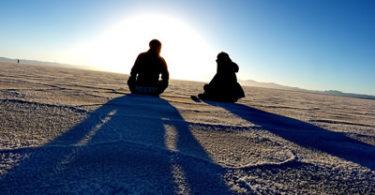 mann-frau-strand-salt-lake