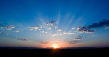 sonnenaufgang-blauer-himmel-sunrise