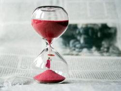 sanduhr-zeit-hourglass