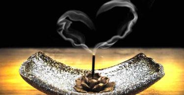 herz-rauch-raeucherstaebchen-incense