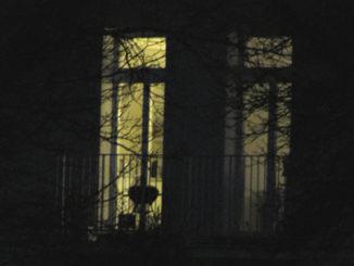 dunkles Fenster