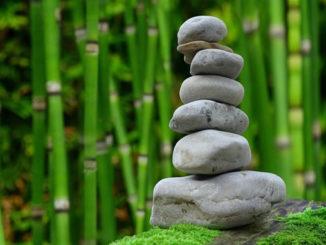 meditation-steine-bambus-zen