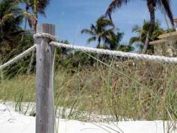 Zaun am Strand