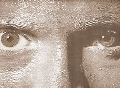 Augen in sepia