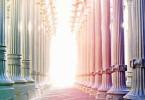 Goldene Regel und Verhalten-Säulen-Gang-Licht-Energie