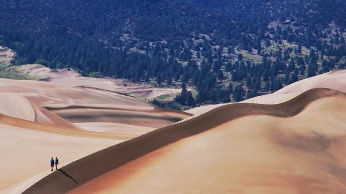 Menschen-Wanderung-sand-dunes