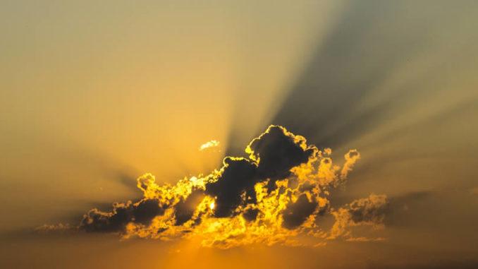 wolke-gelb-licht-cloud