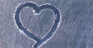 Herz-gefroren-Scheibe-heart