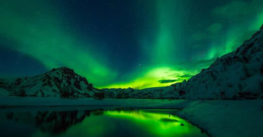 Nordlicht-gruen-Eis-iceland