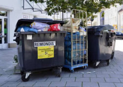 Waste_containers_of_Remondis_in_Munich