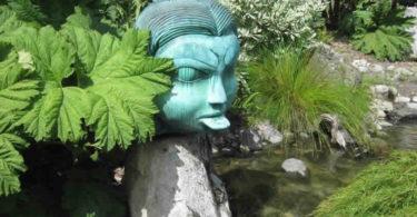 zunge-raus-bach-sculpture