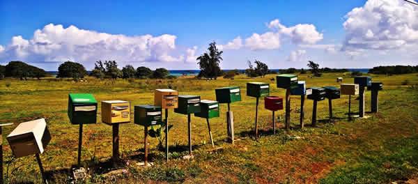 Briefkasten-Himmel-wolken-mailbox