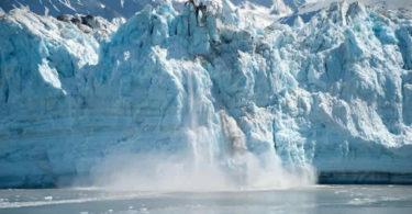 Eisberg-schmelzen-alaska
