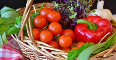 Tomaten-gemuese-korb-vegetables