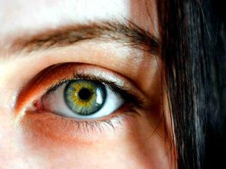 Auge-Haare-gesicht-eye