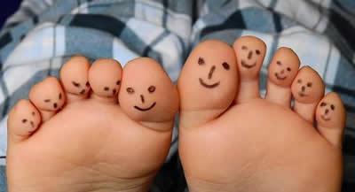 fuesse-laecheln-feet