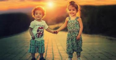 kinder-haende-sonnenuntergang-children