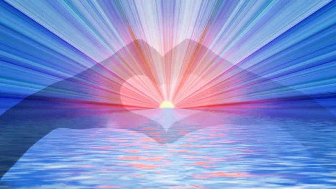 Glück und Gesundheit-Herz-Strahlen-Haende-heart
