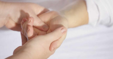 haende-massage-treatment