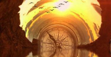 kompass-licht-tunnel-wasser