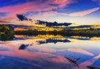 See-Spiegelung-violett-lake
