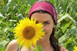 Raum und Zeitwahrnehmung frau sun flower