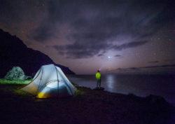 Astrologie und Saturn Energie-mann-sterne-night