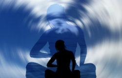 Verfolge die Körper Geist Verbindung-doppel-woman