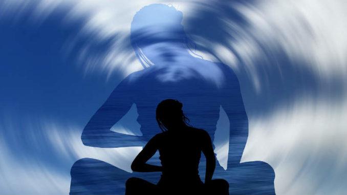 Verfolge die Körper Geist Verbindung-810-450-doppel-woman
