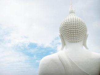 himmel-blau-buddha