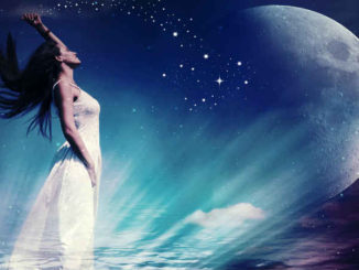 Astrologie und Horoskope-mond-woman