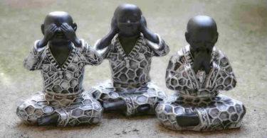 nix-hoeren-sehen-sagen-buddha