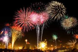 buntes-feuerwerk-new-years-eve