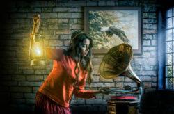 Wie kann Spiritualität unsere Gesellschaft verändern-frau-grammophon-people