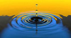 stolze-impuls-wellen-schlagen-water