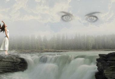 frau-wasser-augen-himmel-waters