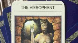 Tarot Karten - Der Hierophant