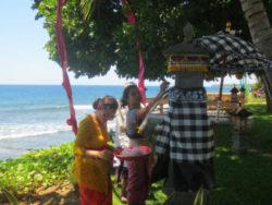Bali-Opfergaben jeden Morgen