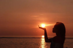 spirituelles Bali sonne untergang meer sunrise
