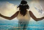 Frau-Taube-Meer-Augen-Seele-spirituellesLifeCoaching-Ursula-Schulenburg-woman
