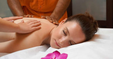 ayurveda-ruecken-massage