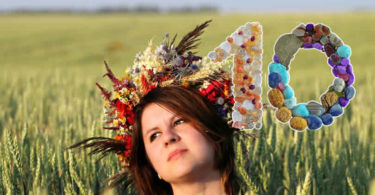 editha-wuest-kornfeld-kranz-frau-wreath