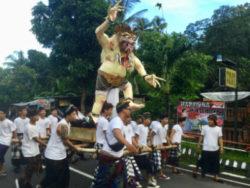 Bali-Ogoh-Ogoh-Prozession