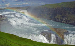 island-reise-wasserfall-gullfoss