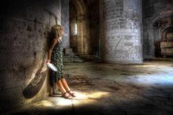 spiritualität-kirche-kind-licht-church