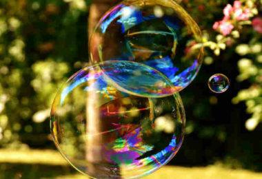 hypersensibilitaet-empfindlich-sensibel-bunte-seifenlasen-soap-bubble