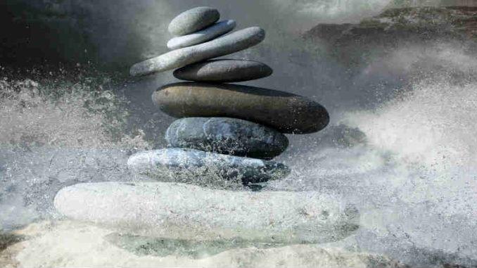lebenszyklen-annehmen-loslassen-zen-stones